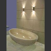 Травертиновая ванна с необработанной наружной поверхностью
