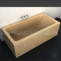 ванна из бежевого травертина